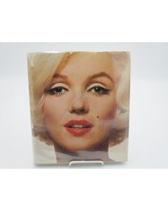 Marilyn: A Biography - Pictures by the World's Foremost Photographers.